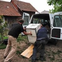 Přípravy - vyložení pece z auta